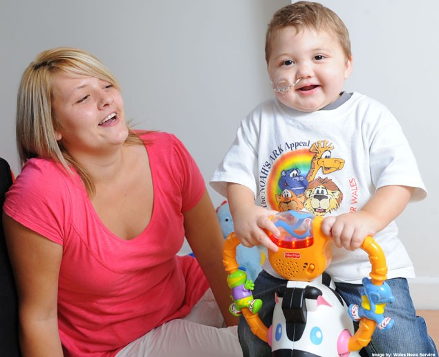 toddler-has-first-meal-aged-21-months_6838