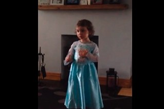 toddler-threatens-mum-with-naughty-step-for-laughing-at-her-frozen-song-video_61006