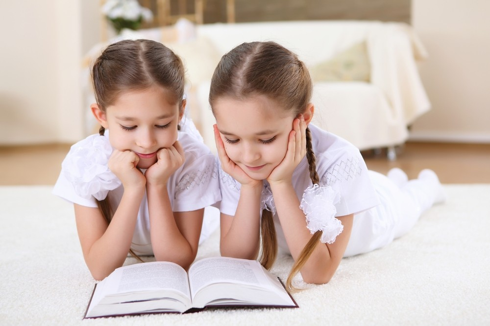 twins-at-school-same-class-or-different-class_32538