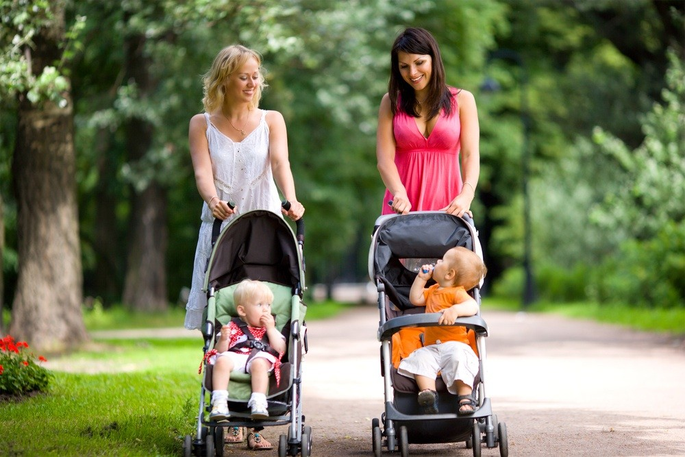 uk-mums-cover-639-miles-with-their-buggy-in-first-year_19060