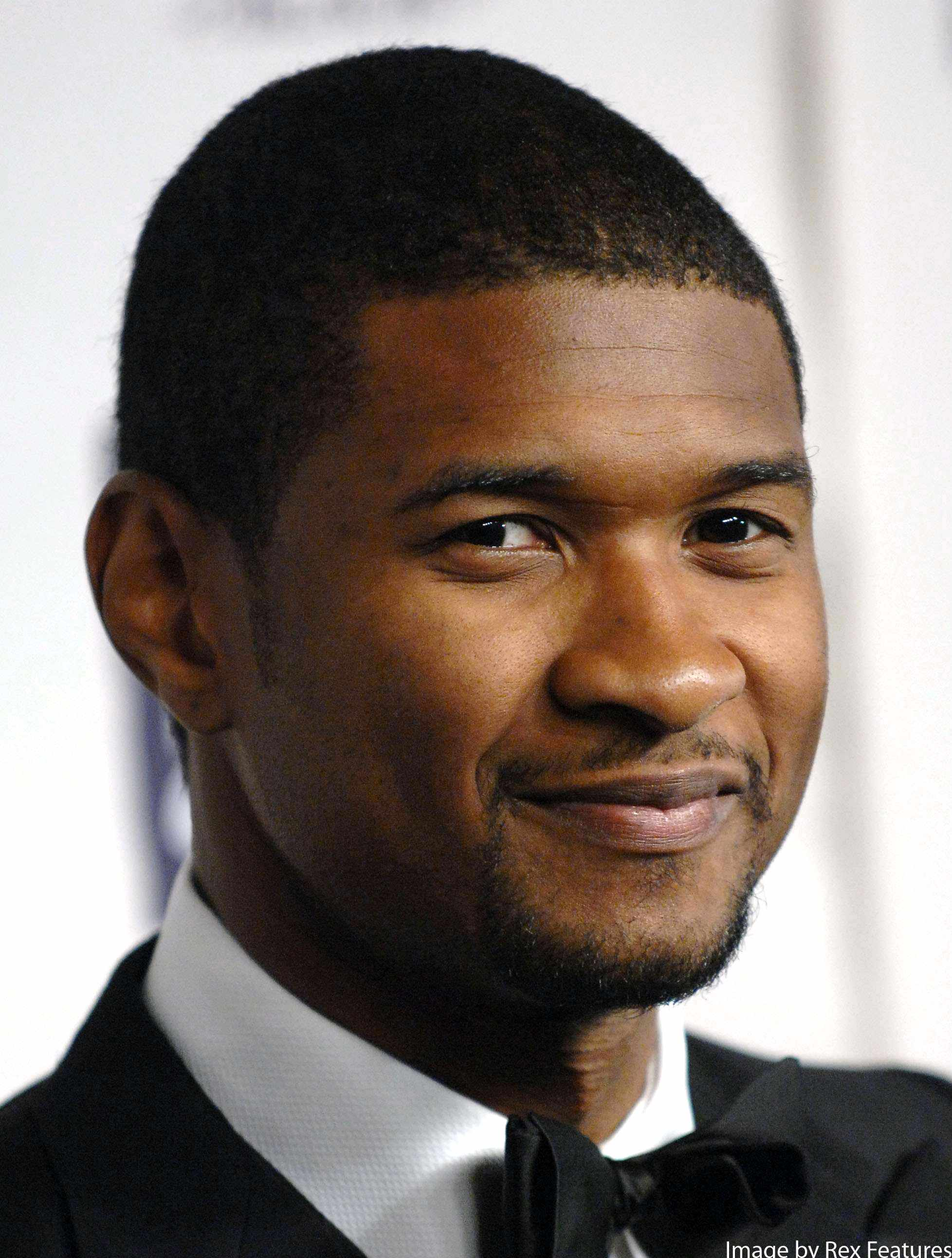 usher-wants-breakfast-from-his-boys-for-fathers-day_12932