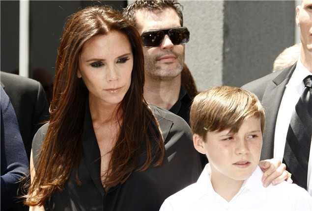 victoria-beckham-due-today-and-planning-to-breastfeed_23603
