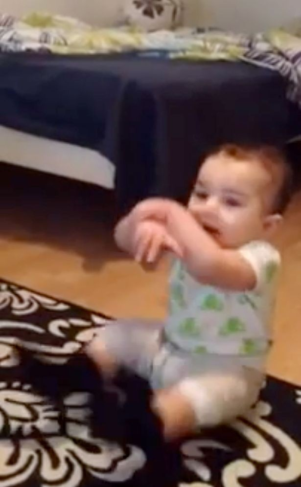 video-7-month-old-baby-dances-gangnam-style_44652