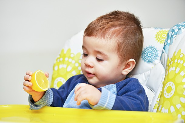 vitamin-c-and-baby-nutrition_220370