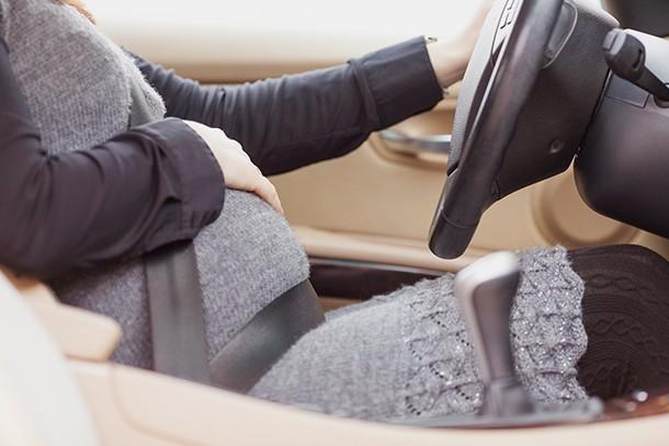 wearing-a-seat-belt-in-pregnancy_200734