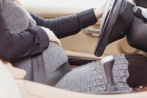 wearing-a-seat-belt-in-pregnancy_200735