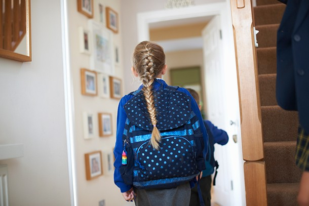 what-age-can-my-child-walk-home-from-school-on-their-own_211061