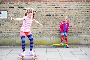 what-age-can-you-let-your-child-play-outside-on-their-own_208352
