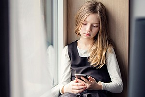 what-age-should-a-child-have-a-phone_211804