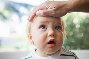 what-can-cause-a-fever-in-babies-and-toddlers_216230