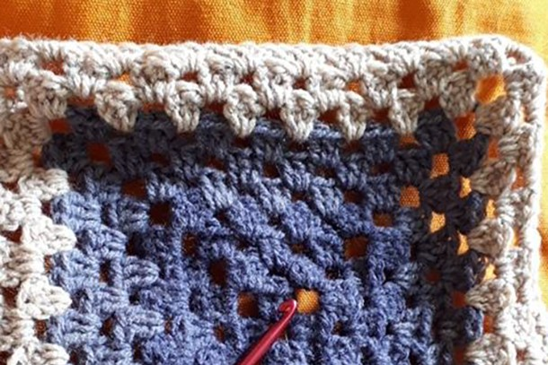 what-can-i-do-in-early-labour_crochet