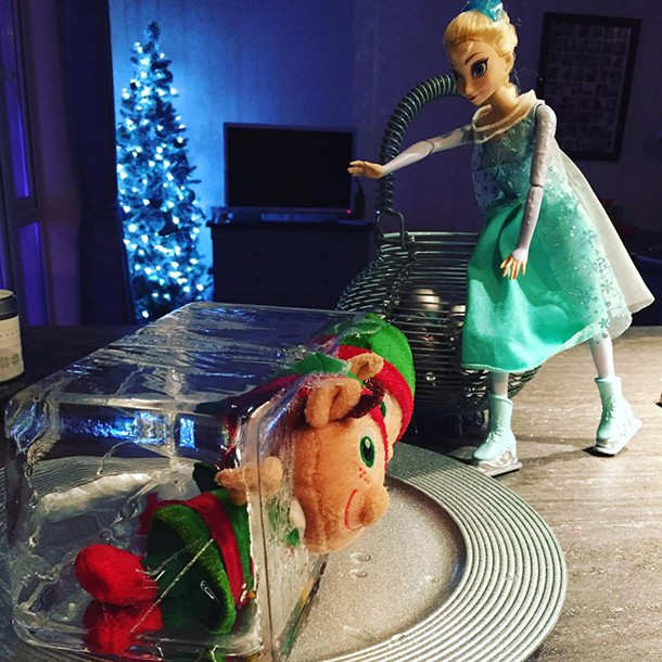 what-real-mums-are-doing-with-their-elf-on-the-shelf_139208