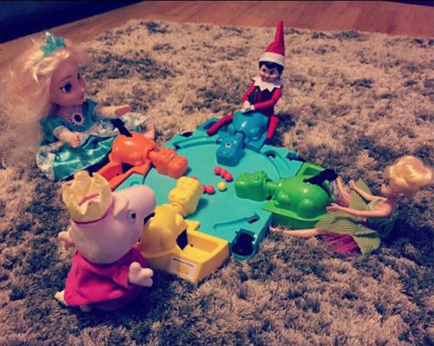 what-real-mums-are-doing-with-their-elf-on-the-shelf_139633