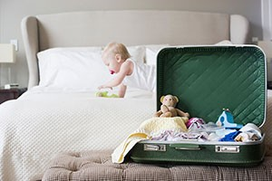 what-should-i-do-if-my-child-has-a-fever-on-holiday_216241