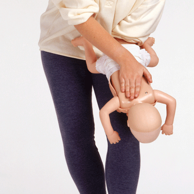what-to-do-if-your-child-starts-choking_70723
