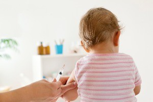 what-to-expect-after-your-babys-had-injections_216729