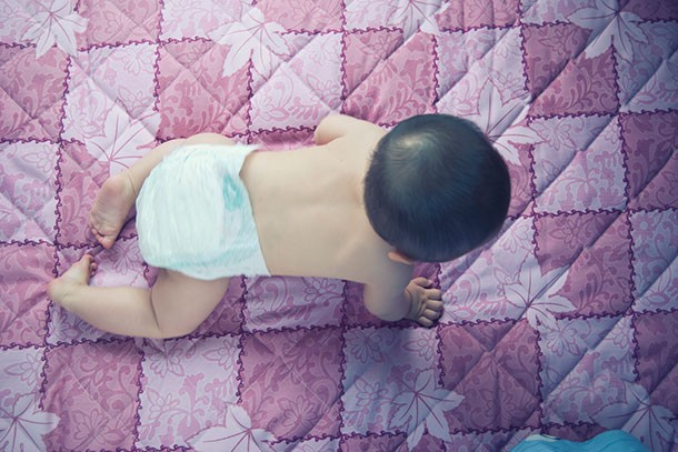 when-do-babies-start-to-crawl_172432
