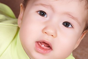 when-will-my-babys-first-tooth-appear_148973