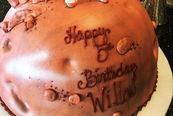 Awesome Pinks Daughter Willows Matt Damon Birthday Cake Madeformums Funny Birthday Cards Online Alyptdamsfinfo