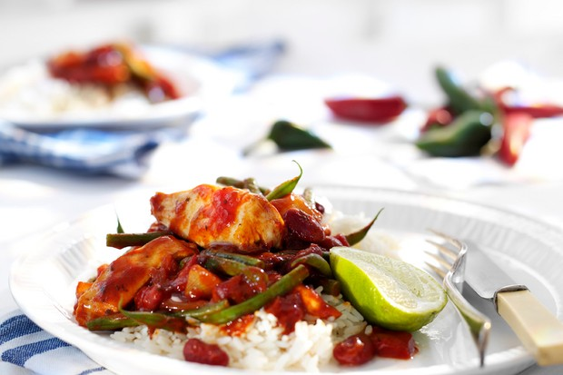 wholesome-chilli-chicken-stew-with-long-grain-rice_14861