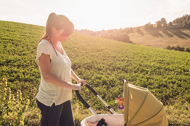 why-covering-your-babys-pram-with-a-blanket-could-put-their-life-at-risk_hotpram