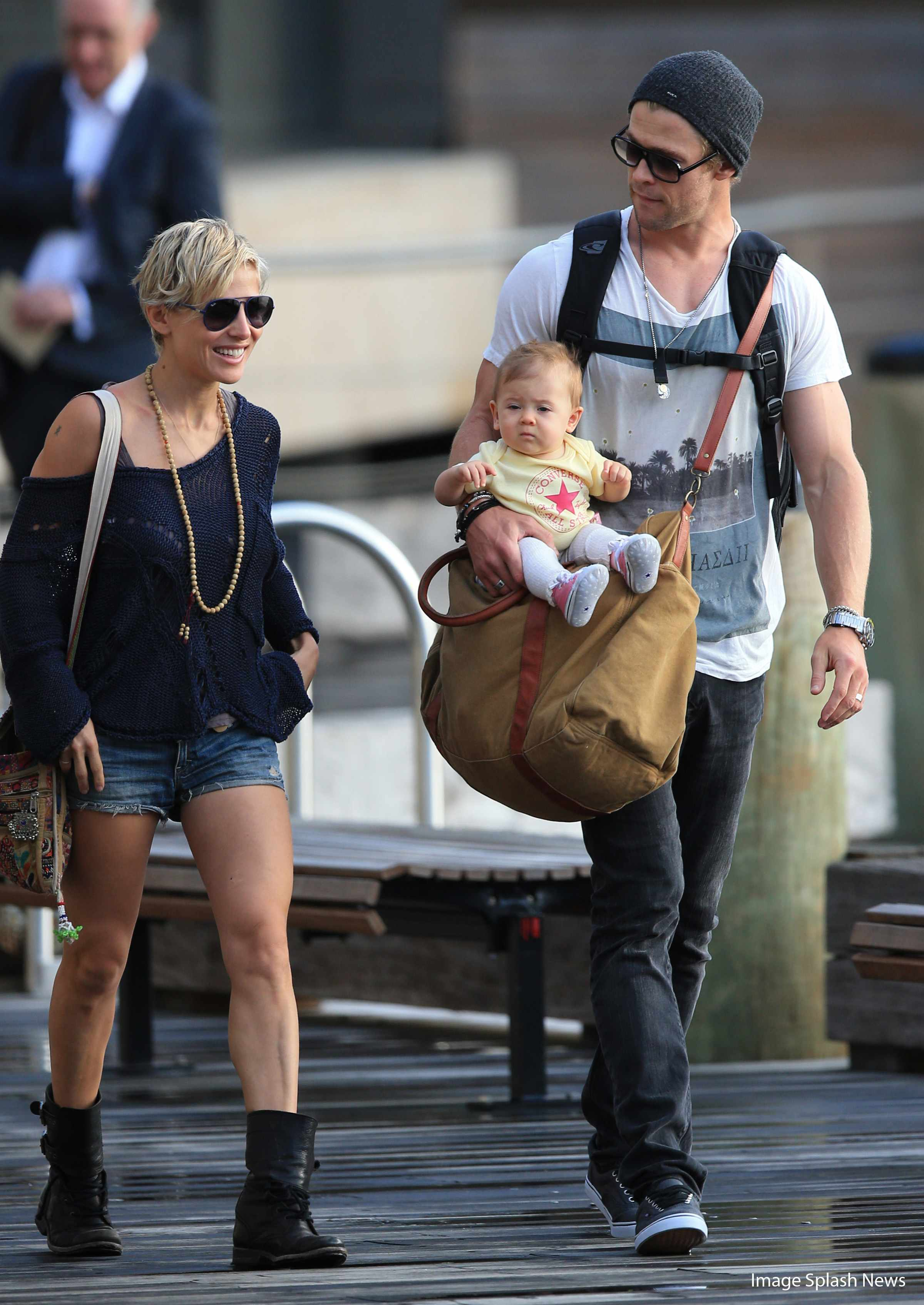 why-dad-chris-hemsworth-is-a-super-human-baby-carrier_45184