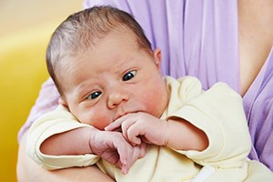 why-does-my-newborn-baby-have-cross-eyes_189347