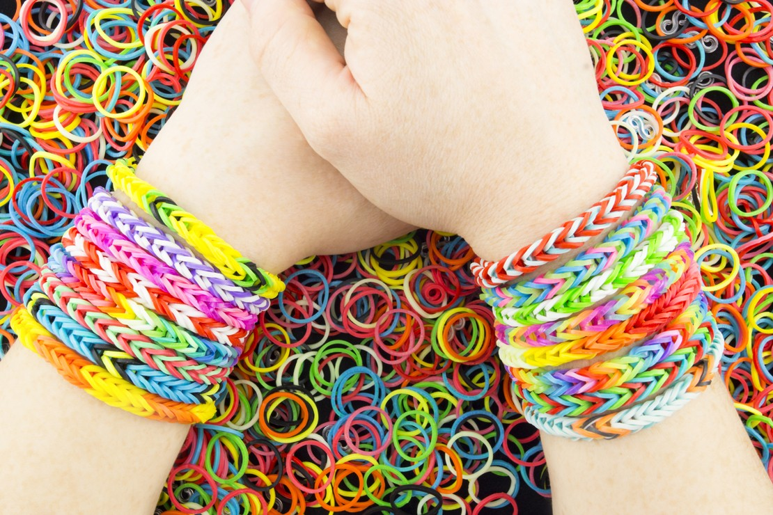 why-loom-bands-are-being-banned-at-schools_58003