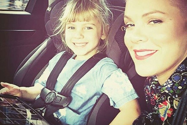 why-pinks-car-seat-pic-is-a-good-reminder-for-all-parents_151210