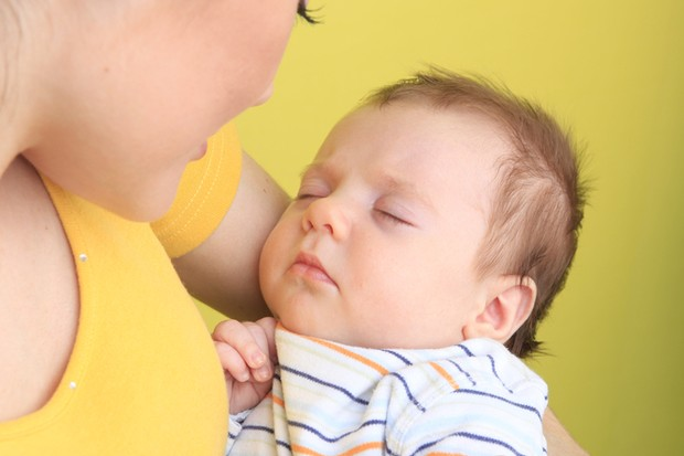 why-should-you-sing-lullabies-and-nursery-rhymes-to-your-baby_26345