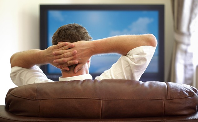 why-watching-too-much-tv-can-cut-male-fertility-in-half_73550