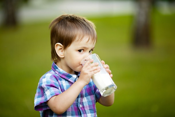 why-your-child-shouldnt-drink-raw-milk_82001