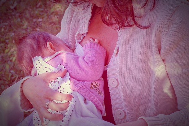women-are-still-embarrassed-about-breastfeeding-in-public_134812