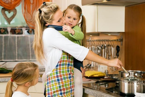 working-mums-children-less-healthy_7235