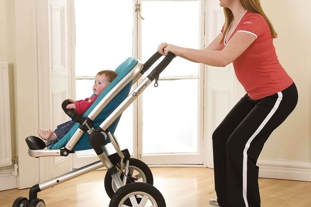 your-new-mum-exercise-workout-buggy-squat_14628