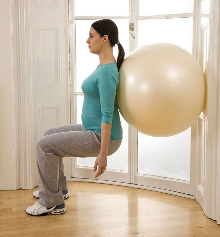 your-pregnancy-exercise-workout-standing-squat_14016