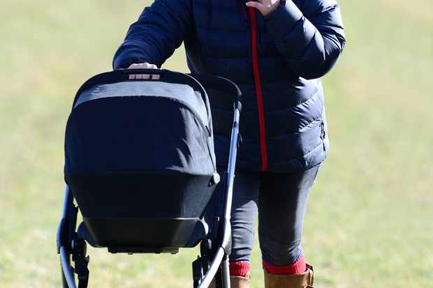 zara-phillips-makes-first-public-appearance-with-baby-mia_52017