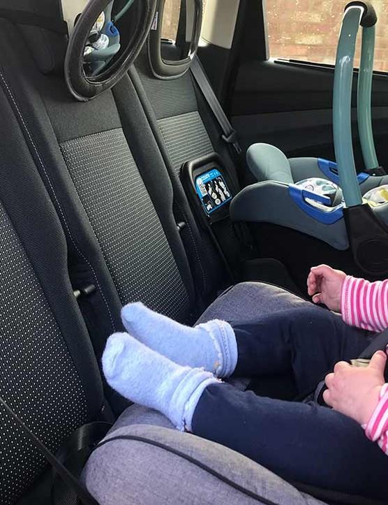 axkid-minkid-with-seat