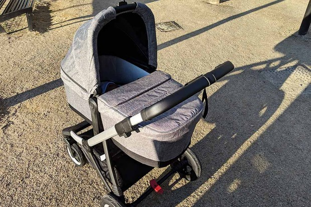 thule-sleek-carrycot2