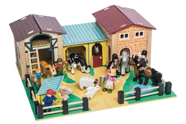 4-Le-Toy-Van-Farm