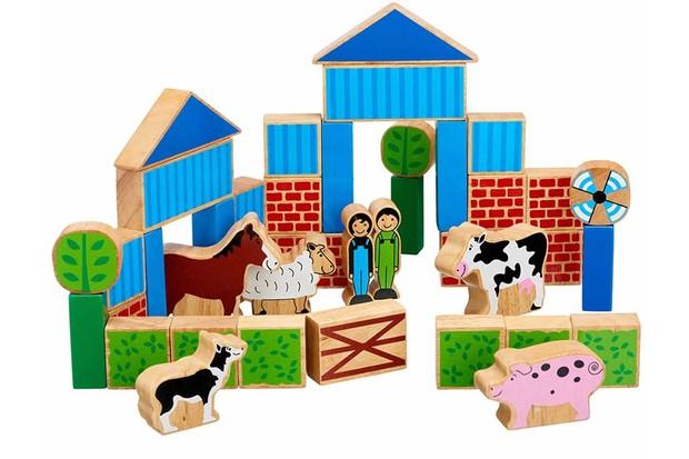 9-Lanka-Kade-wooden-farm