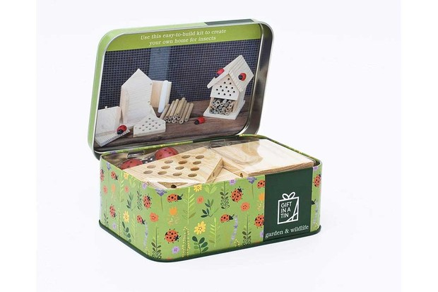 Gift-in-a-Tin-Make-Your-Own-Insect-House