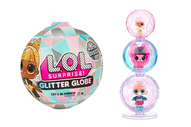 lol-glitter-globe