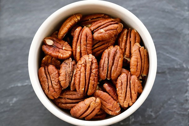 6 nuts you SHOULD eat in pregnancy - MadeForMums