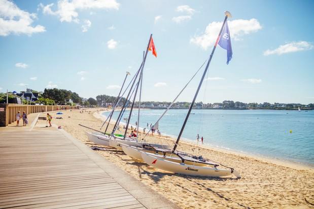 Sunelia L'escale St Gilles - catamarans on beach