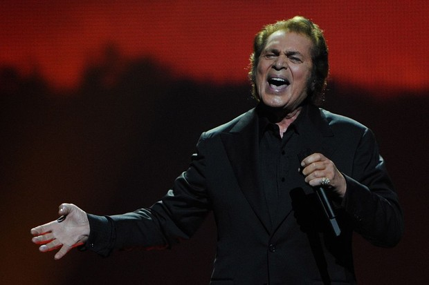 Britain's Engelbert Humperdinck performs during the dress rehearsal of the Grand Final of the Eurovision 2012 song contest in the Azerbaijan's capital Baku on May 25, 2012. AFP PHOTO / VYACHESLAV OSELEDKO        (Photo credit should read VYACHESLAV OSELEDKO/AFP/GettyImages)