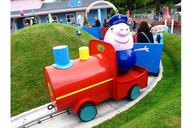 Grandpa Pig's Train Ride