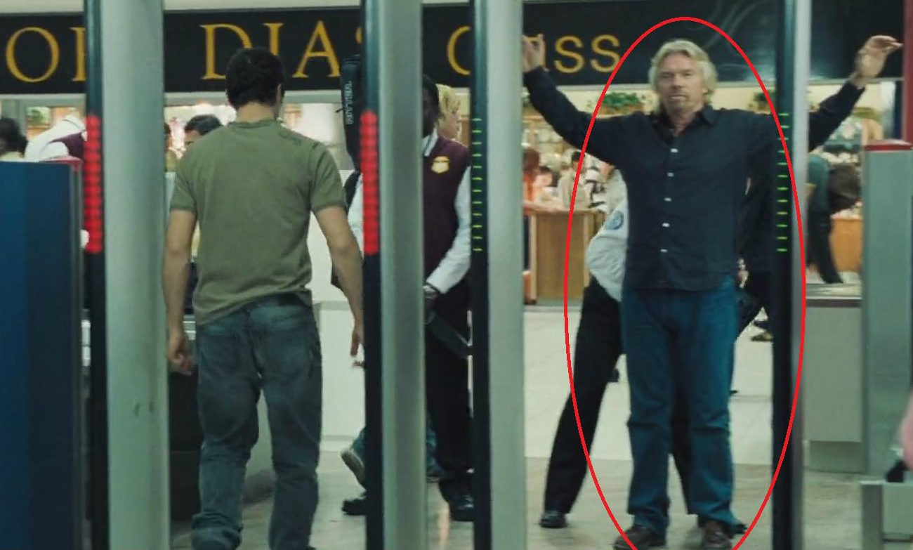 Does richard branson made a cameo in casino royale vacanze roulette grecia