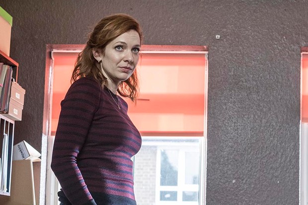 Katherine Parkinson as Laura in Humans series 3 (Channel 4, HF)