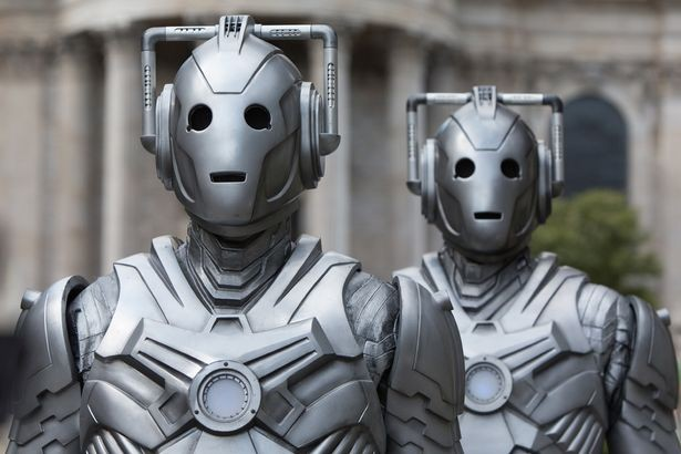 https://images.immediate.co.uk/production/volatile/sites/3/2017/06/0_Cybermen-70a3540.jpg?quality=90&resize=615%2C410